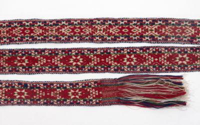 Pick-up belt weaving